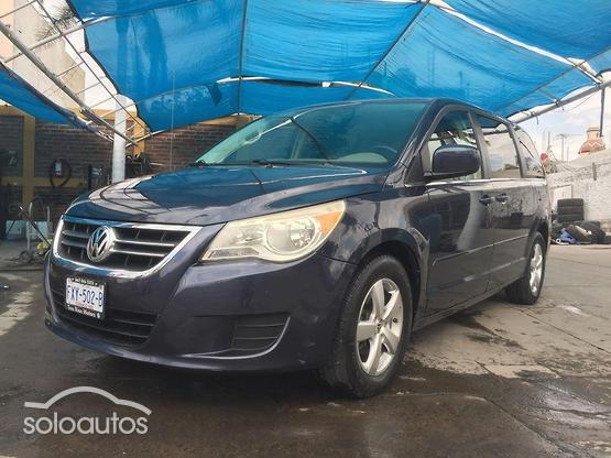 2009 Volkswagen Routan Exclusive AT