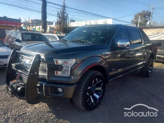 2017 Ford Lobo Platinum Crew Cab CON SPRAY-IN BEDLINER