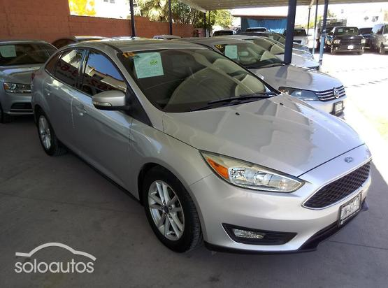 2015 Ford Focus SE Appearance AT