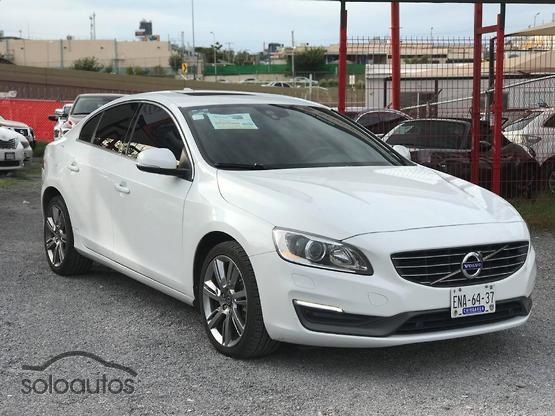2014 Volvo S60 Kinetic T5 MT