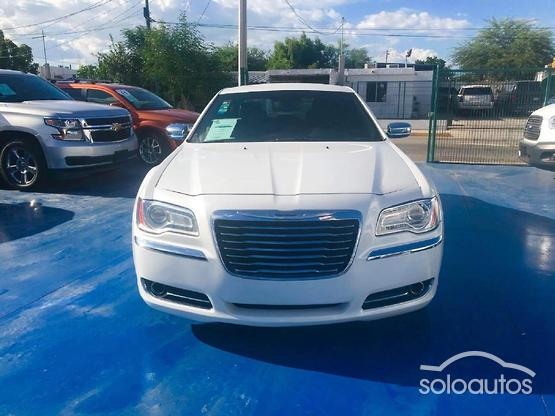 2012 Chrysler 300 ATX V6