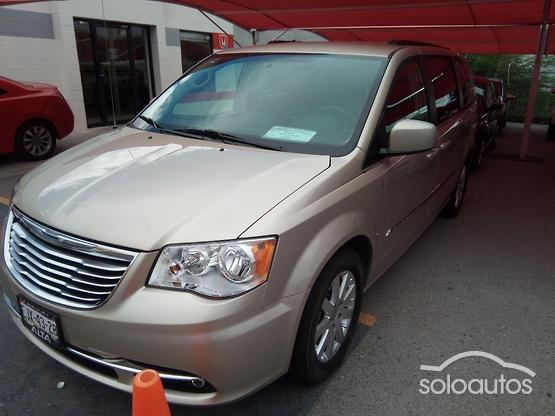 2016 Chrysler Town & Country Touring Piel