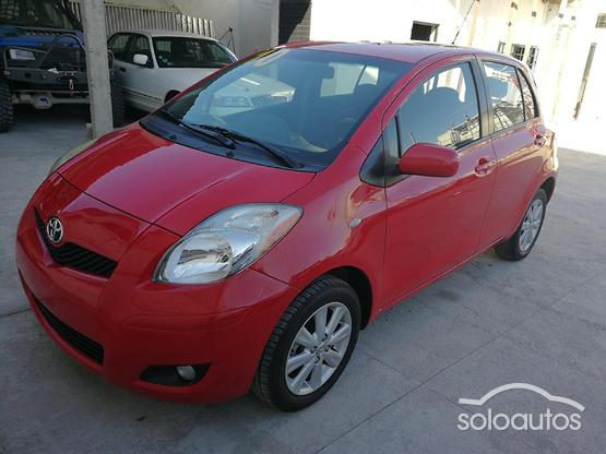 2010 Toyota Yaris Premium AT 5ptas