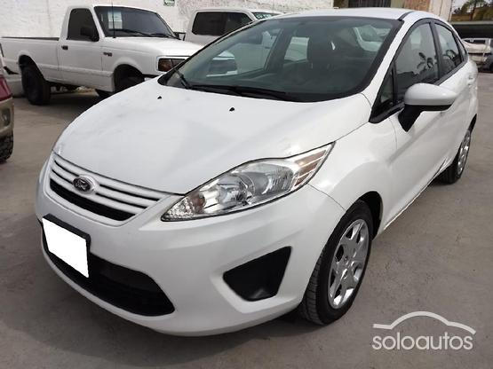 2013 Ford Fiesta S AT