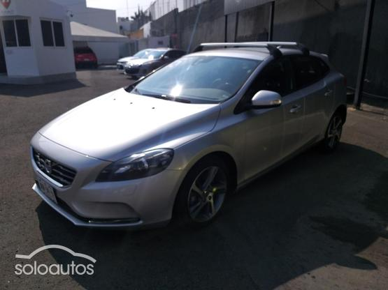 2015 Volvo V40 Cross Country 1.6 T4 Momentum