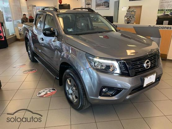 2019 Nissan NP300 Frontier LE Midnight Edition T/M AC