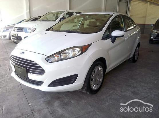 2015 Ford Fiesta S AT