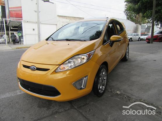 2013 Ford Fiesta SES MT