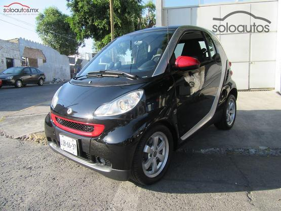 2011 Smart Fortwo Coupé Micro Hybrid Drive Black and White