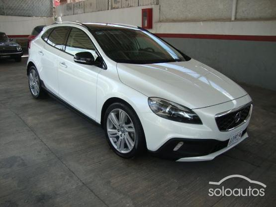 2014 Volvo V40 Cross Country 2.5 T5 Evolution