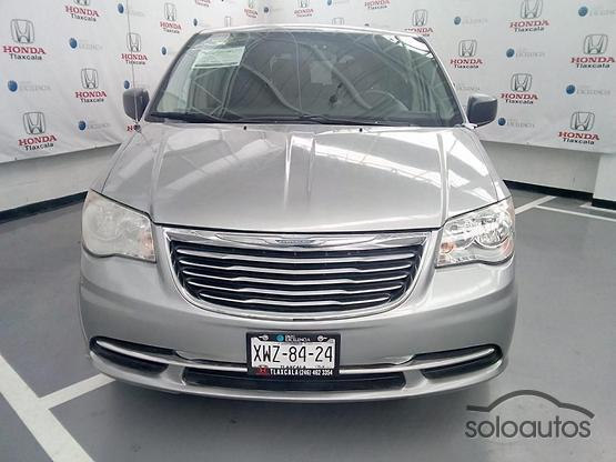 2014 Chrysler Town & Country Li