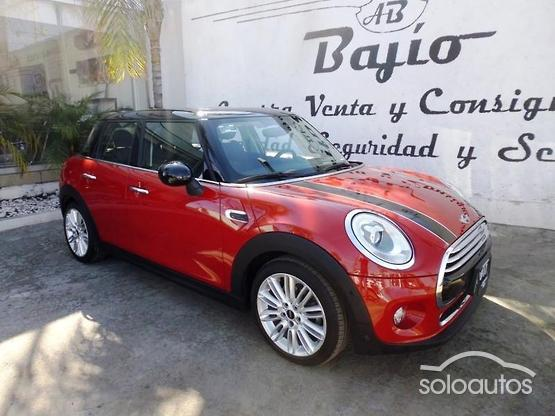 2017 MINI MINI Cooper Pepper AT