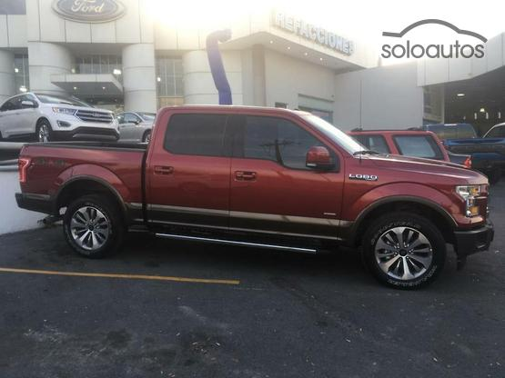 2017 Ford Lobo Lariat Crew Cab 4x4 CON SPRAY-IN BEDLINE