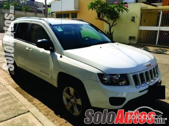 2014 Jeep Compass Latitude FWD CVT