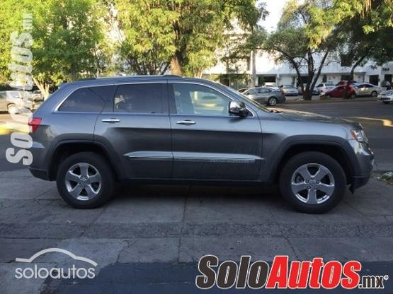 2013 Jeep Grand Cherokee Overland Summit V8 5.7L Hemi 4X4 Tech