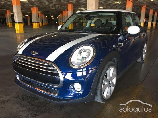 2017 MINI MINI Cooper Pepper