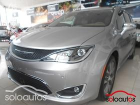 2017 Chrysler Pacifica Limited Platinum
