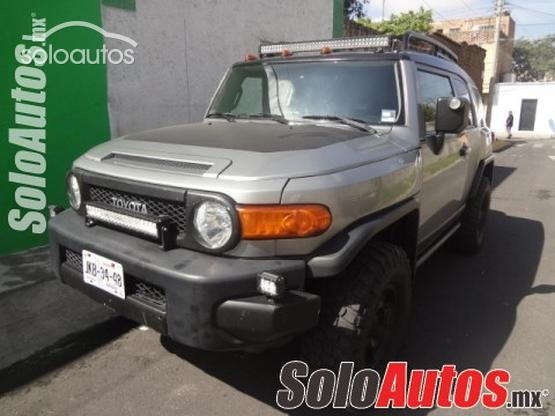 2010 Toyota FJ Cruiser Premium AT