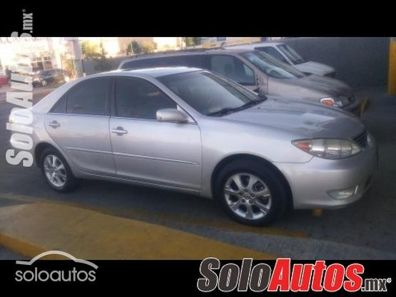 2005 Toyota Camry XLE V6 5AT