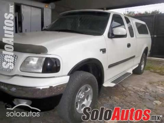 1999 Ford F-150 XL AT