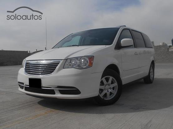 2012 Chrysler Town & Country LX