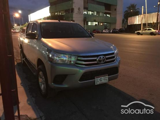 2016 Toyota Hilux D-Cab Base 4x2 (Doble Cabina Base)