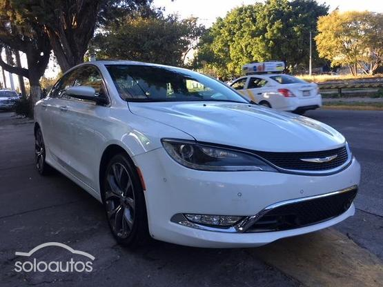 2015 Chrysler 200 3.6 C Advance