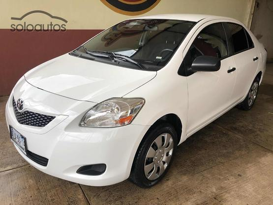 2014 Toyota Yaris Sedan Core MT