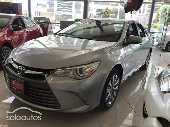 2017 Toyota Camry XLE L4 AT
