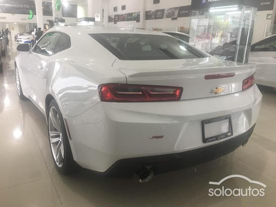 2018 Chevrolet Camaro RS B AT