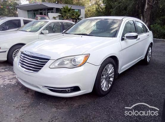 2013 Chrysler 200 3.6 Limited V6