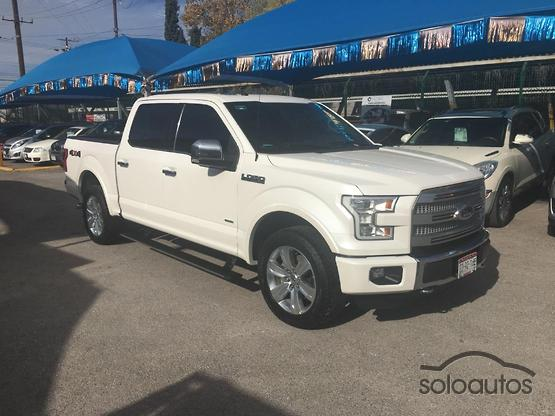 2016 Ford Lobo Platinum Crew Cab CON SPRAY-IN BEDLINER
