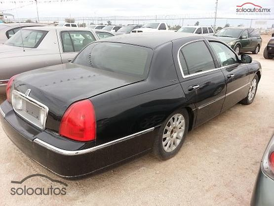 2007 Lincoln Town Car Designer
