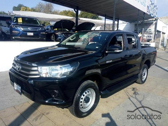 2017 Toyota Hilux 4x2 Doble Cabina Base
