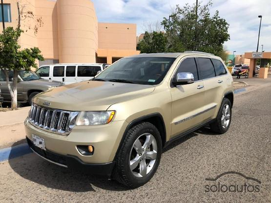 2011 Jeep Grand Cherokee Overland V8 5.7L Hemi 4X4 Tech