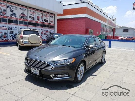 2017 Ford Fusion SE Luxury Hybrid AT