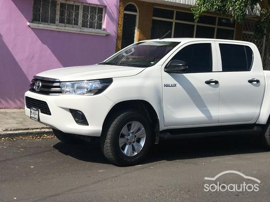 2018 Toyota Hilux 4x2 Doble Cabina Base
