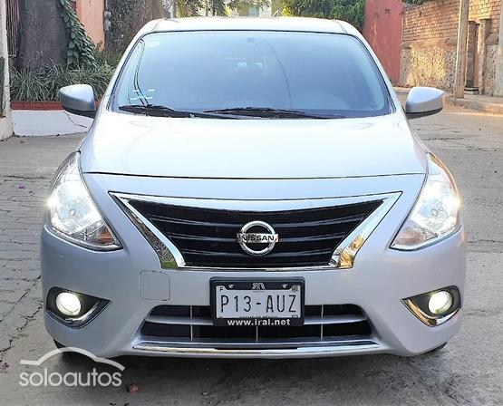 2018 Nissan Versa Advance AT AC
