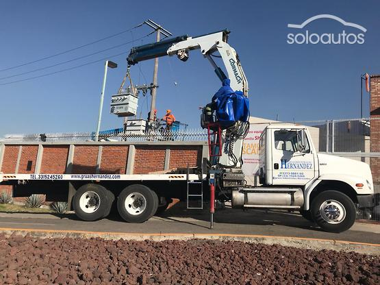 2002 Freightliner CORMACH 25500-E6